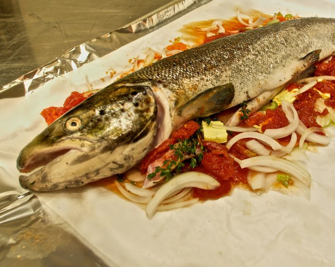 how to cook lake trout in foil